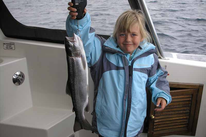 taupo trout fishing charter